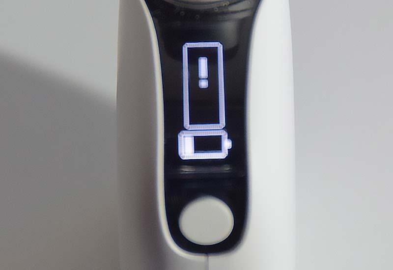 プルームテックプラスウィズ びっくりマーク 液晶表示